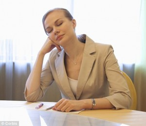 疲れを感じている女性の約半分は鉄のサプリメントで改善する